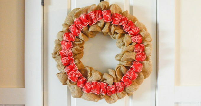 DIY Rustic Christmas Burlap Wreath