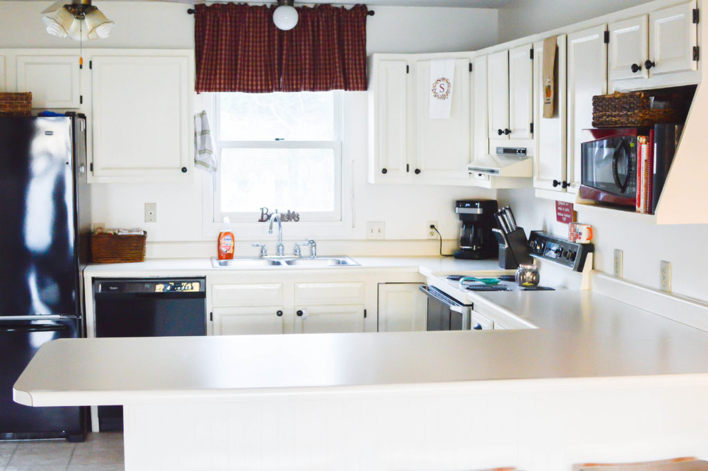 Kitchen Countertops Clutter Free