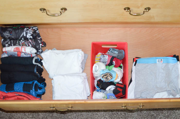 Are you struggling to get your kid's out the door each morning? Simplify the process! Find out how to organize kid's clothes for easy mornings.