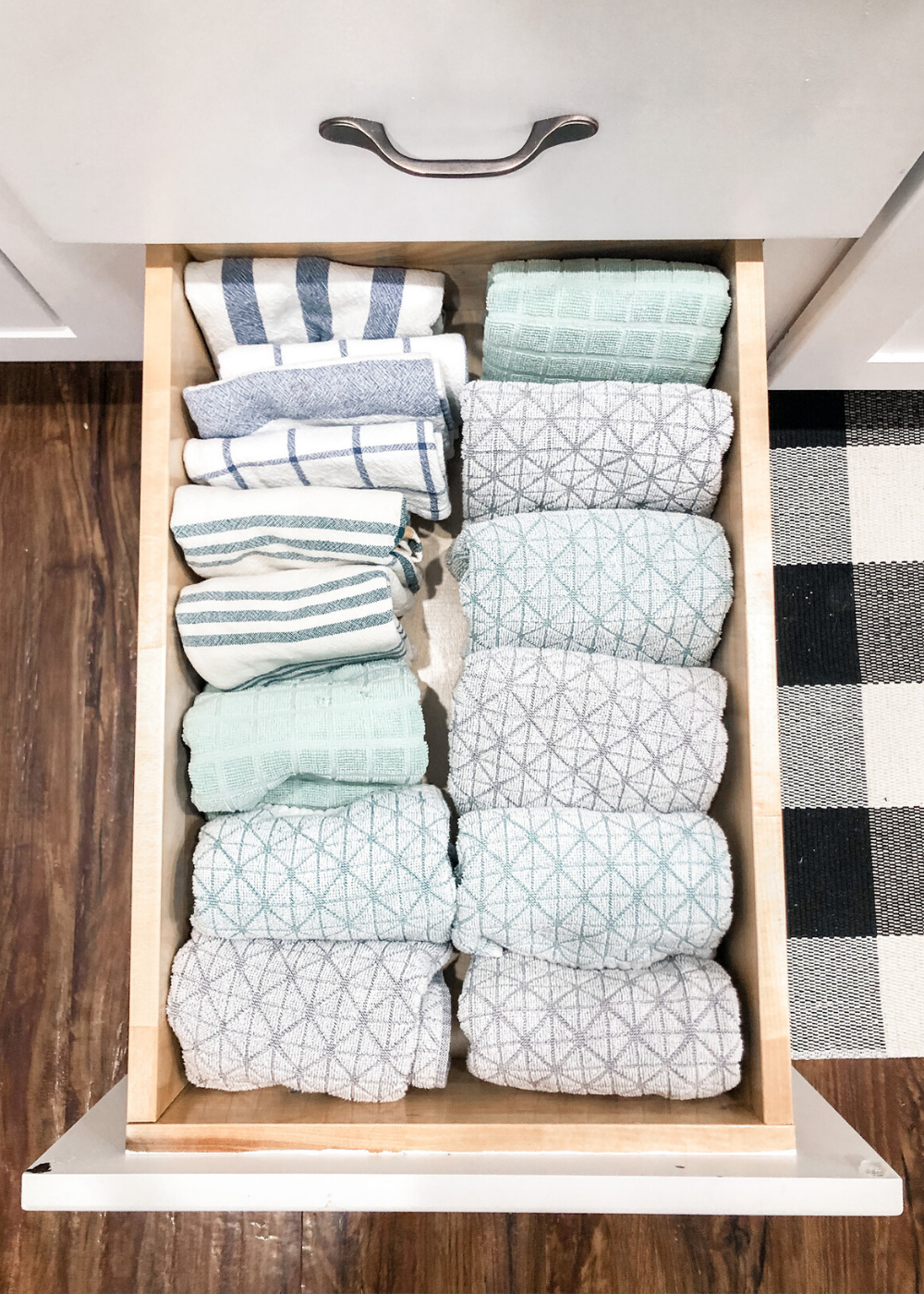 Organized Kitchen - Kitchen Towels