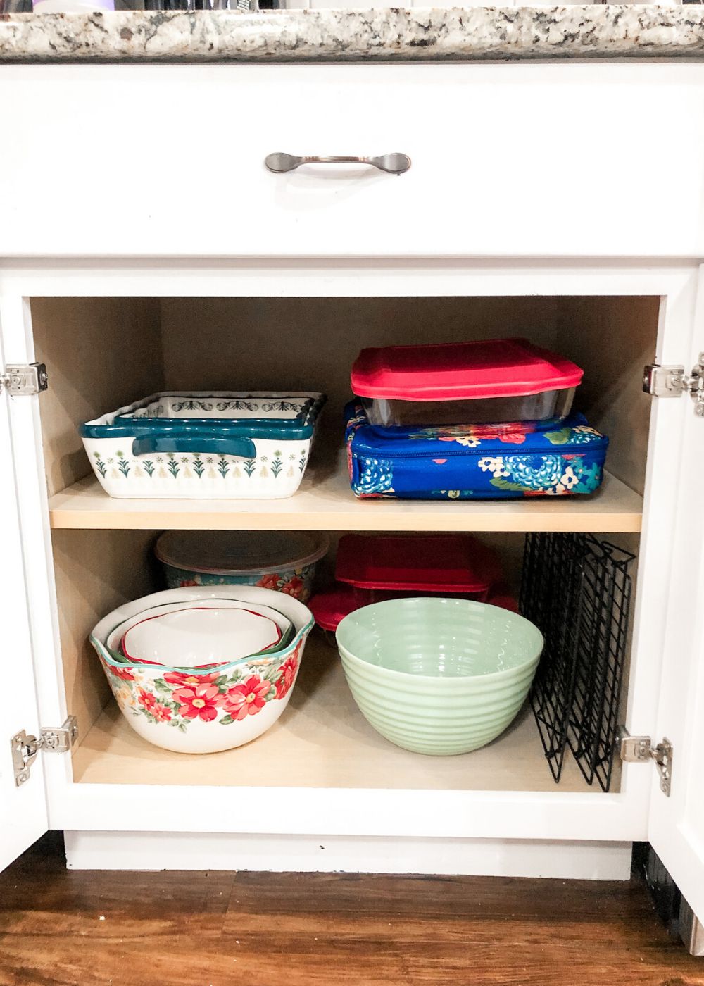 Organized Kitchen - Baking Dishes